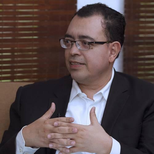 El Salvador debe renegociar la deuda como alternativa a elevado endeudamiento público